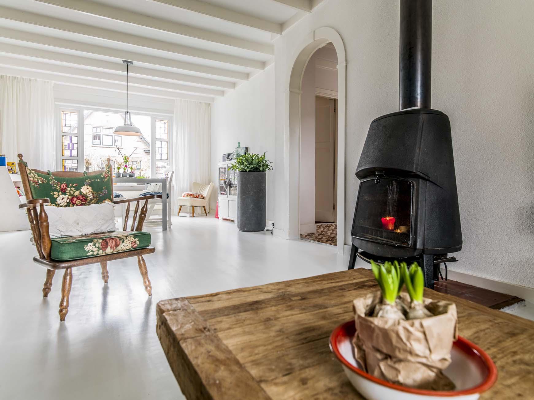 Vloer houten vloeren wit schilderen : Houten Vloer Dekkend Wit Met Woca Floorpaint, Hoogeveen - Baltussen ...