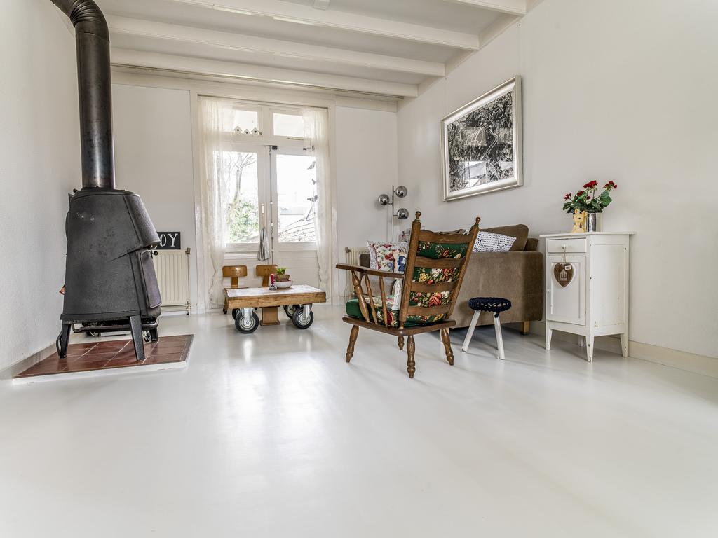 Houten Vloer Dekkend Wit Met Woca Floorpaint, Hoogeveen - Baltussen ...