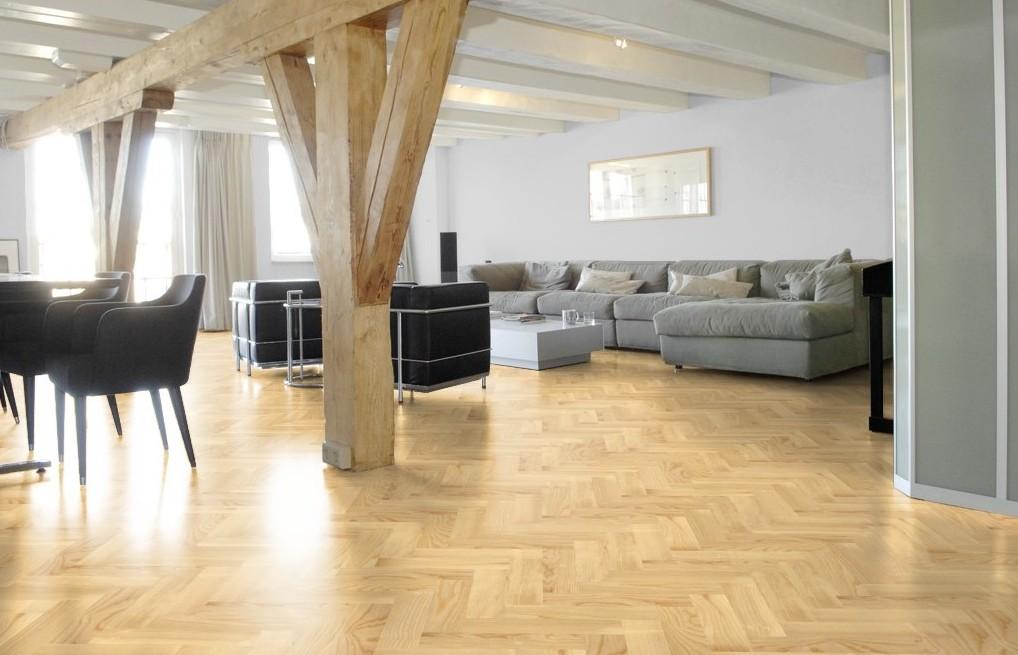 Essen visgraat vloer modern en fris baltussen parket - Moderne betegelde vloer ...