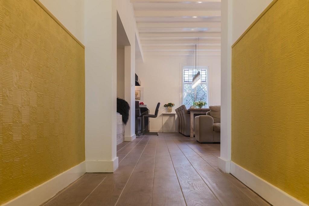 Gerookte eiken planken vloer geschuurd huizen parket onderhoud